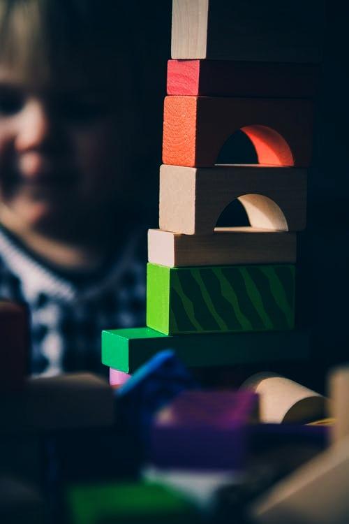 سپردن بچه ها به آشنایان در روز اسباب کشی