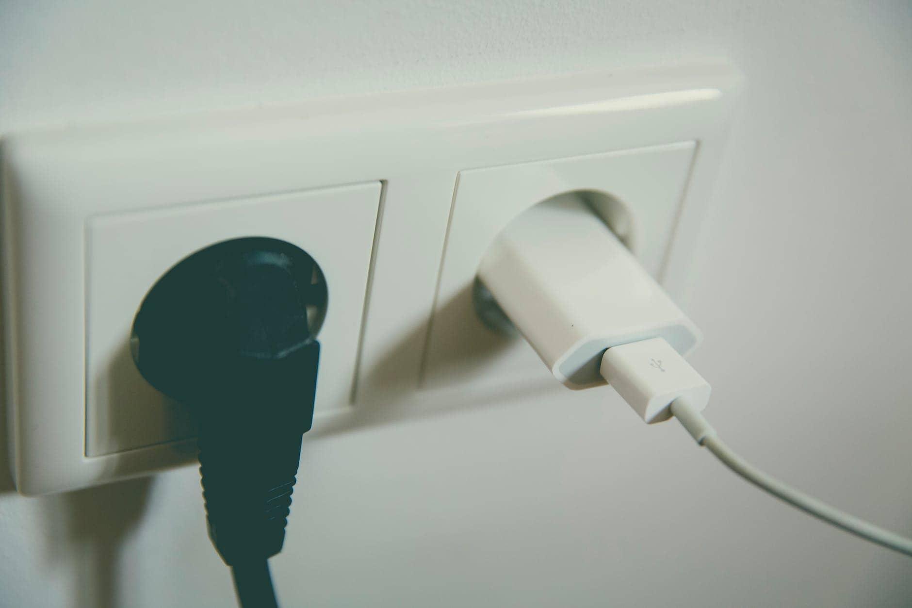 پریز برق یکی از نکات در اجاره خانه
